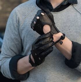 DRIVING GLOVE (BLACK) (HERRENFAHRT 헤른파트)